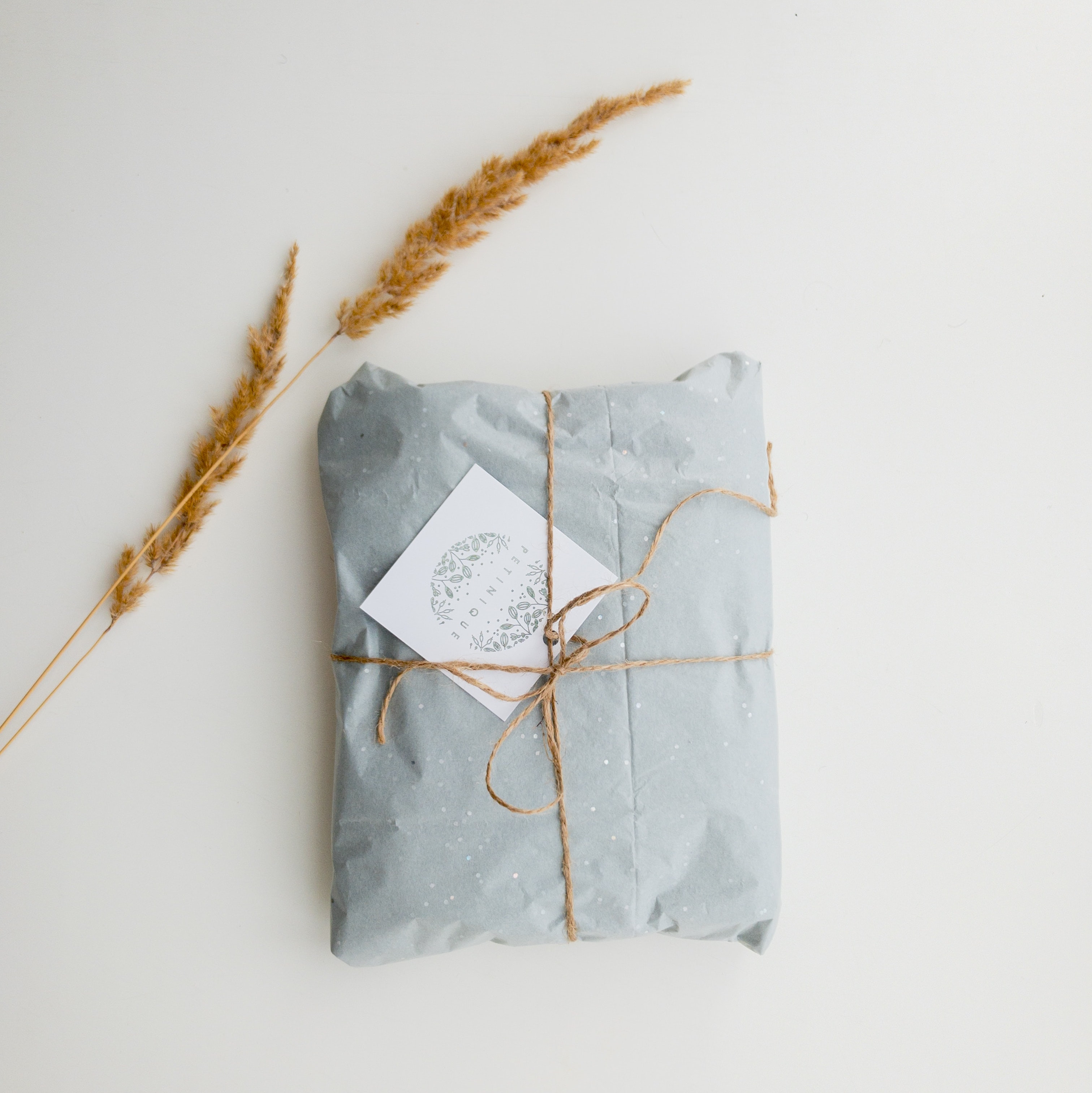 sustainable blue tissue packaging
