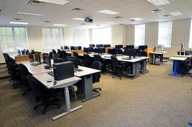 Lakeshore Computer Lab 3
