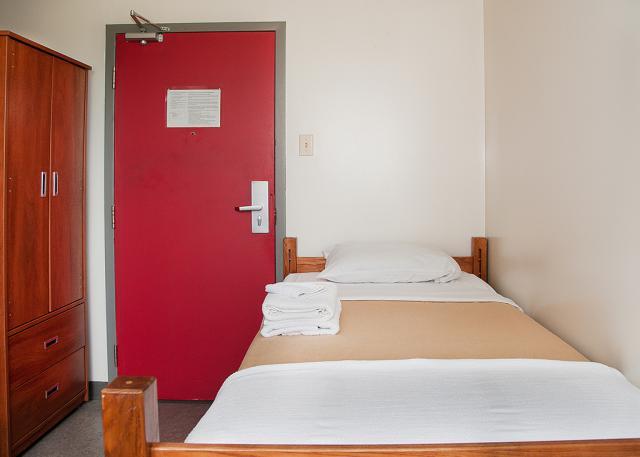 Single Dorm - Bedroom