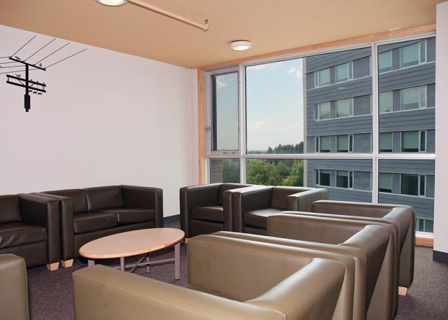 Residence Lounge - Lakeshore