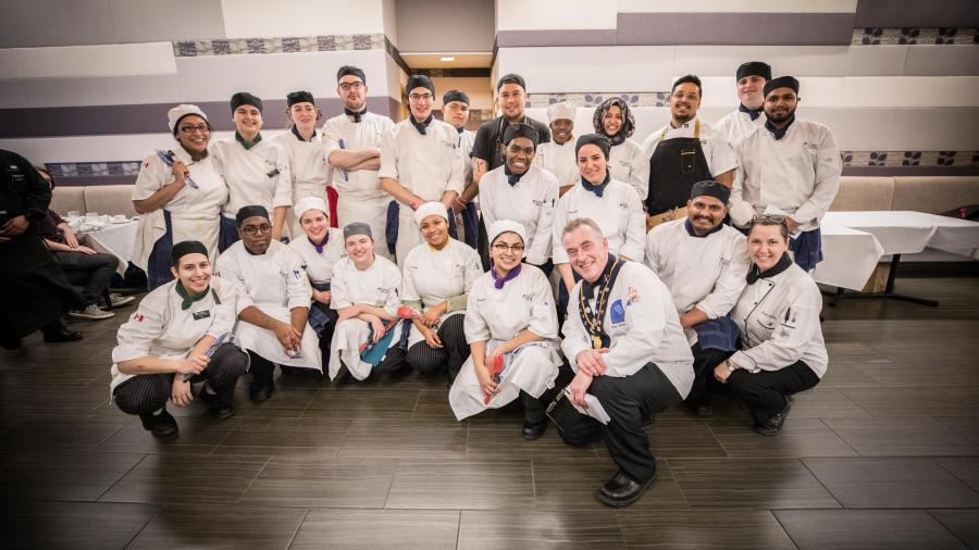 All of the student volunteer chefs and Alumni chefs that helped create the 4-course meal masterpiece