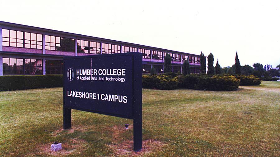 Picture of Lakeshore Campus sign