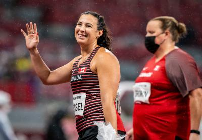 Renee Foessel and Jennifer Brown compete in shot put in Tokyo in 2020